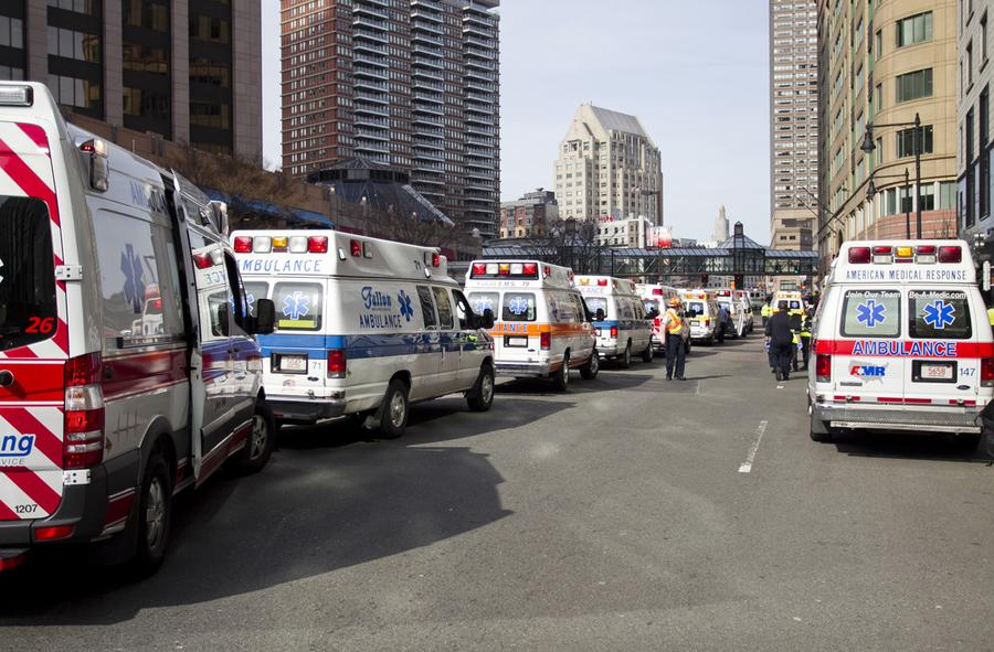 https://cdn.theatlantic.com/assets/media/img/photo/2013/04/photos-of-the-boston-marathon-bombing/b16_0RTXYMYC/main_900.jpg?1420510144