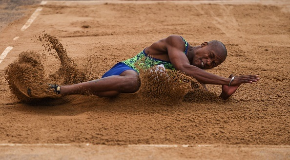 مانیونگا مدال طلای مسابقات زاگرب را بردزمان تقریبی مطالعه: ۱ دقیقه