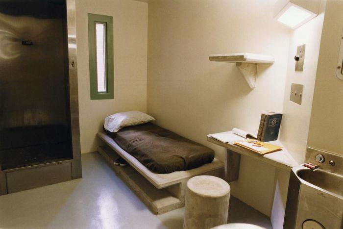 World Prison Cells Prisoners 6 5b3a35e4a1599 700